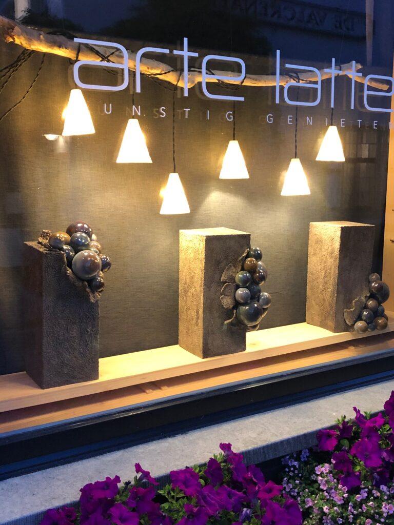 lampjes porselein - beelden 'ritme en beweging'